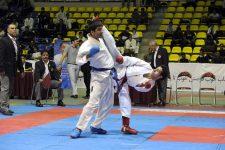سوپر لیگ کاراته؛ پیروزی با ارزش نفتی ها در تهران/ آذرخودرو روی نوار پیروزی