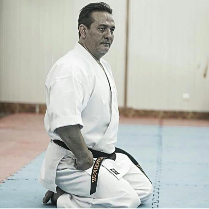 رئیس سبک های آزاد فدراسیون کاراته برکنار شد